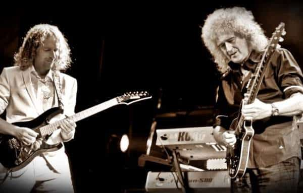 picture of Bernhard Beibl and Brian May performing together